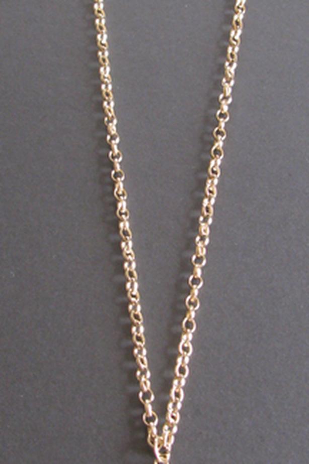 Vintage Sarah Coventry Canada Round Locket Pendant Necklace Goldtone