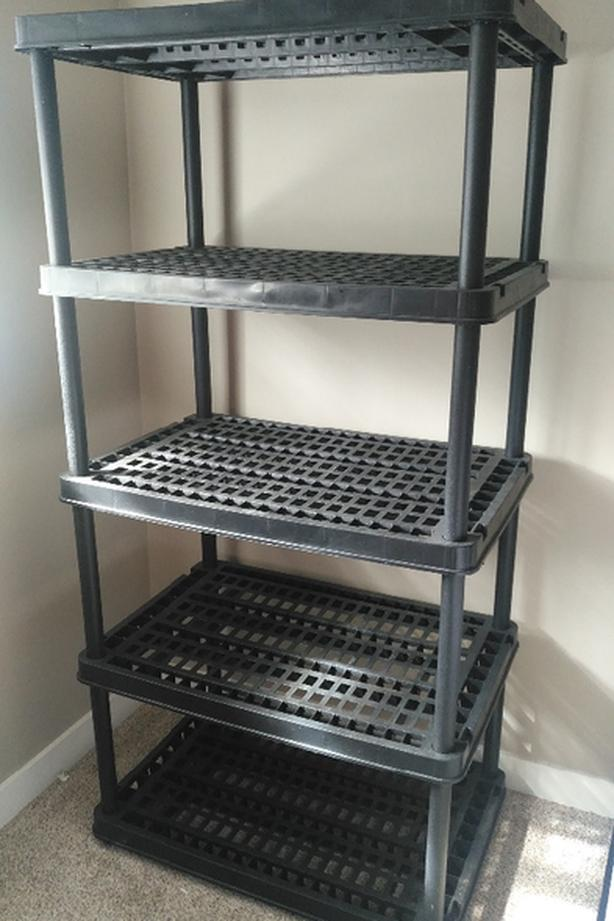 Heavy Duty Resin Shelving