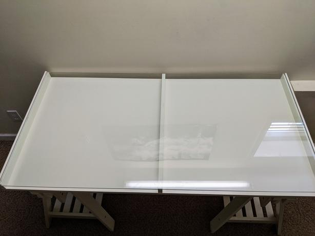 Beautiful Modern Contemporary White Desk with Clear Glass Work Surface