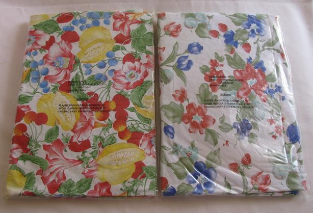 """54"""" Round Plastic Vinyl Tablecloth Floral Fruit Choice Brand New"""