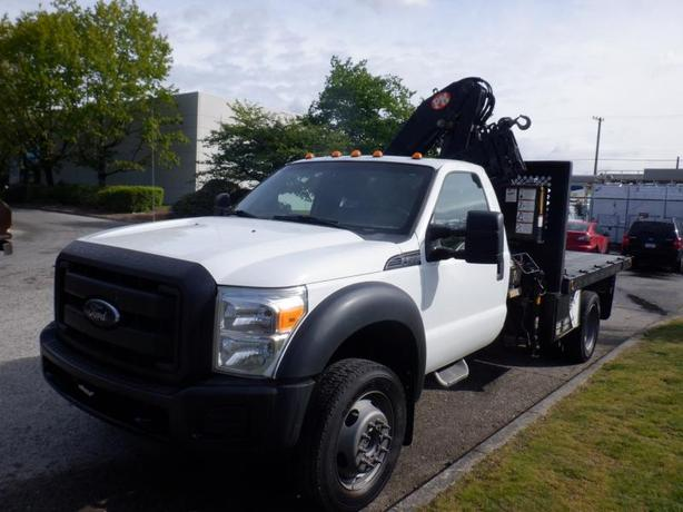 2012 Ford F-550 Flat Deck 10 Foot with Crane Dually  4WD
