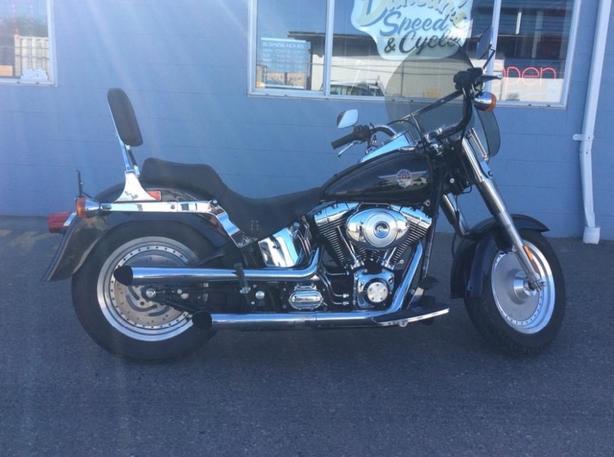 Harley Fat Boy only 2500km!