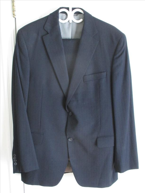 Men's Two Piece Size 42 Regular Suit