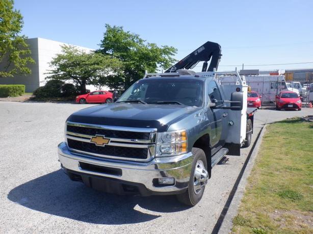 2013 Chevrolet Silverado 3500HD 6 feet Flat Deck With Crane 4WD Diesel