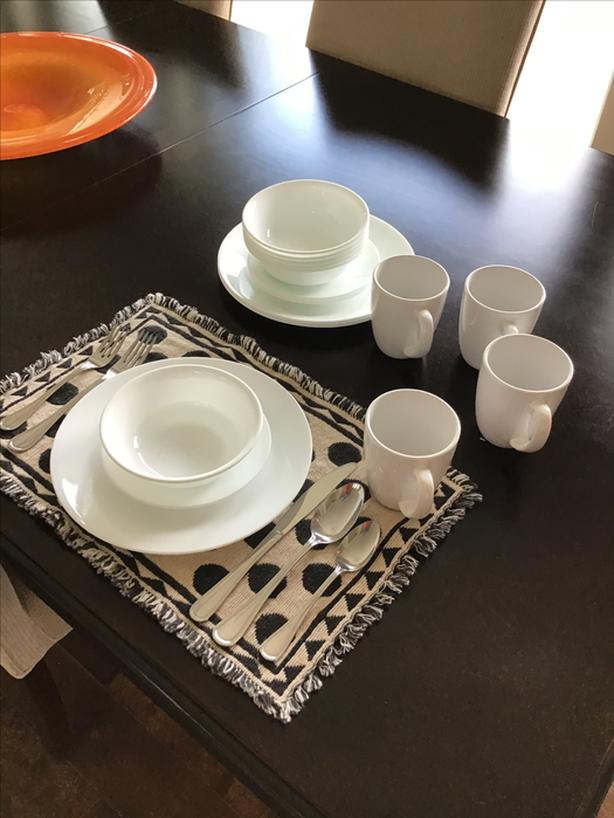 CORELLE 16 piece dish set plus more!