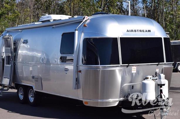 Airstream International Serenity 27FB (Rent  RVs, Motorhomes, Trailers & Campe