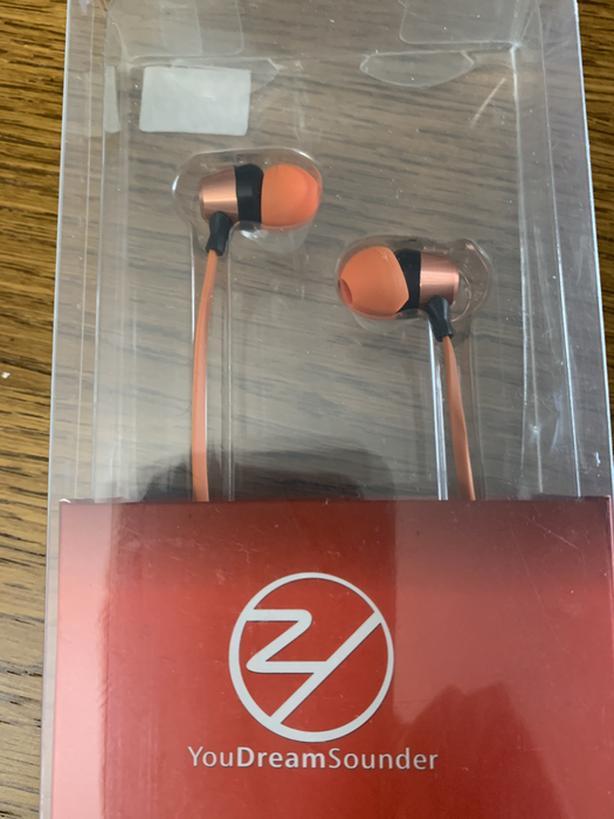 Brand new earphone
