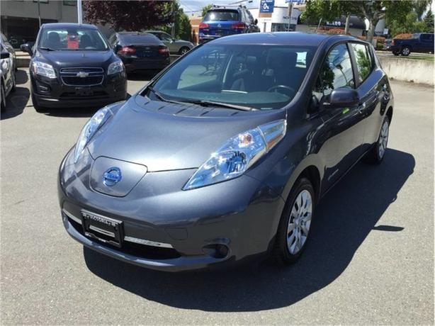 2013 Nissan Leaf SV! NO MORE GAS! PERFECT VICTORIA CAR!