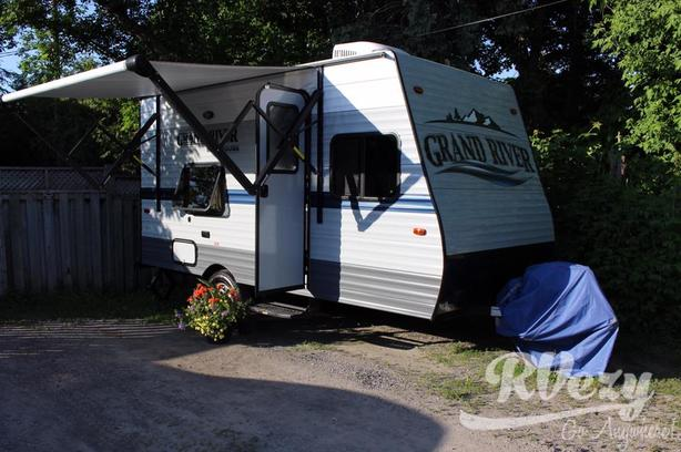 Grand River Bunkhouse Ultra-Lite 18BH (Rent  RVs, Motorhomes, Trailers & Campe