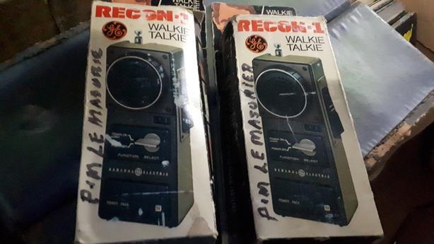 pair of radio shack wakie talkies