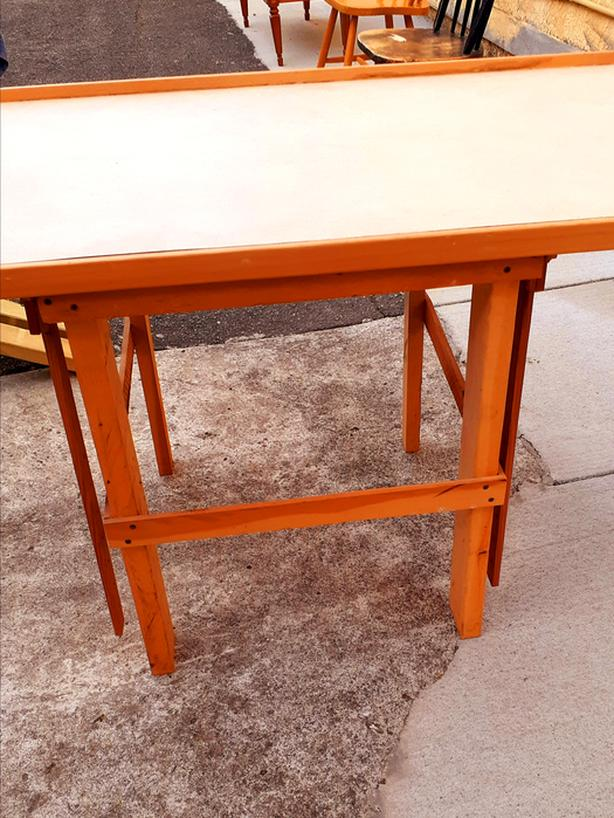 Drafting table for multiple usages. Sell for cheap now at $73!! Hurry Call!