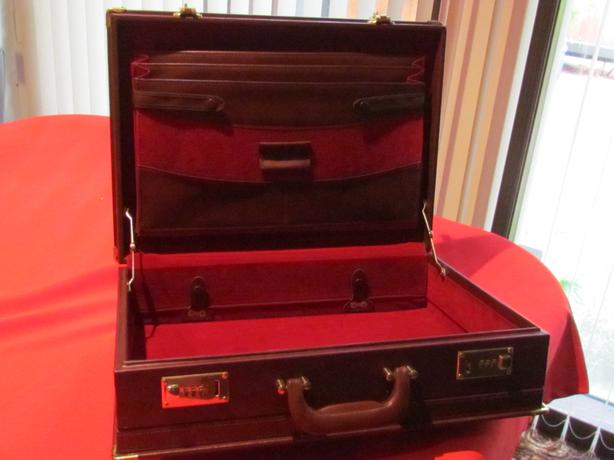 Brand new Brief Case still in the box, Burgundy Color