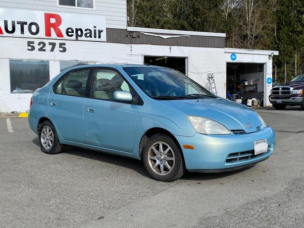 2001 Toyota Prius Hybrid (COMES WITH SECOND running PRIUS FOR PARTS) $4,000.00