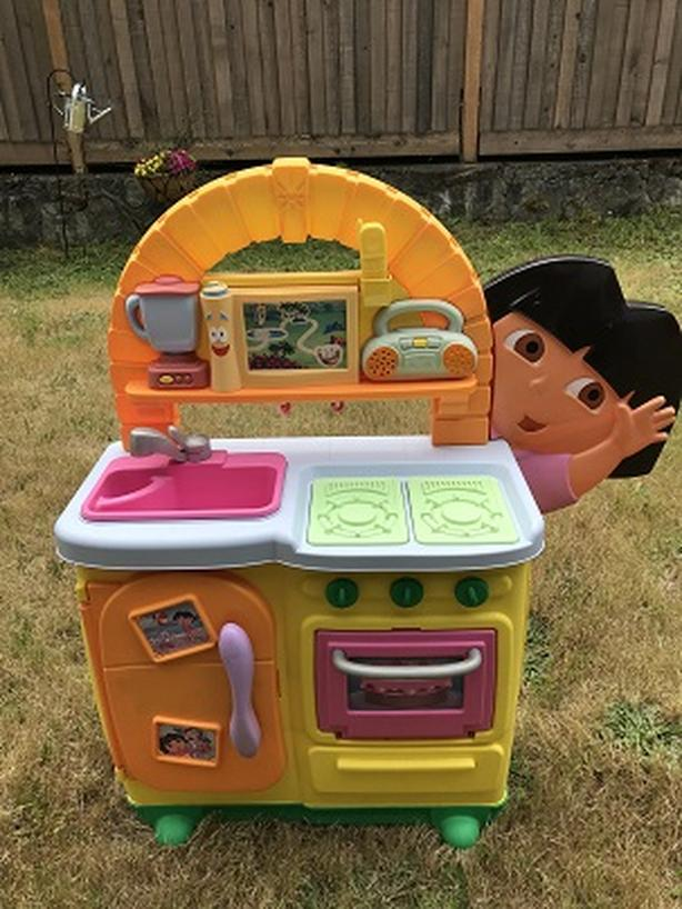 Rare Nickelodeon Dora The Explorer Talking Play Kitchen Set Classifieds For Jobs Rentals Cars Furniture And Free Stuff