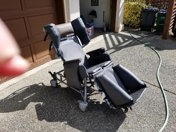 Brodie chair