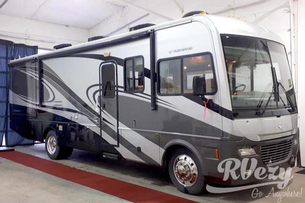 Southwind 32V (Rent  RVs, Motorhomes, Trailers & Camper vans)