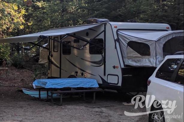 Ultra Lite (Rent  RVs, Motorhomes, Trailers & Camper vans)