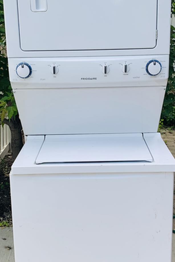 Frigidaire Stacking Washer/Dryer Combo