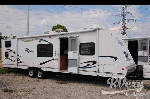 Pilgrim Lite Series M-28 LQB  (Rent  RVs, Motorhomes, Trailers & Camper vans)