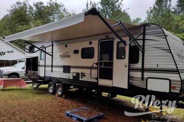 DS310 (Rent  RVs, Motorhomes, Trailers & Camper vans)