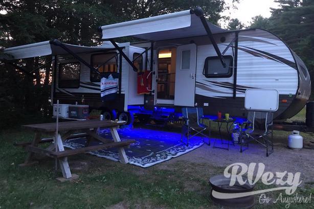 Wildwood (Rent  RVs, Motorhomes, Trailers & Camper vans)