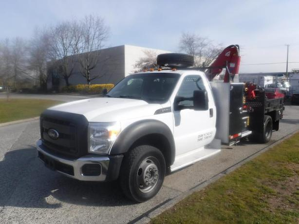 2013 Ford F-450 SD Flat Deck 6 Foot with Crane Dually 4WD