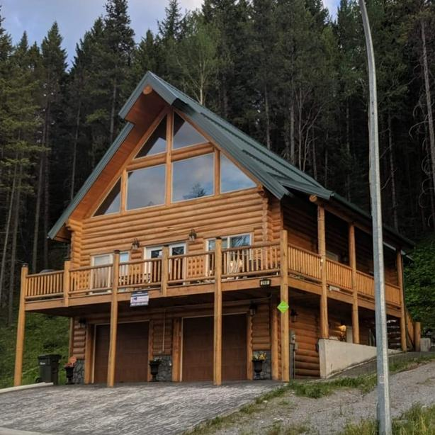 Crowsnest Recreational Rental Property