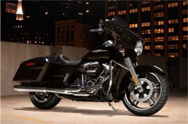 2017 Harley-Davidson® FLHXS Street Glide® Special
