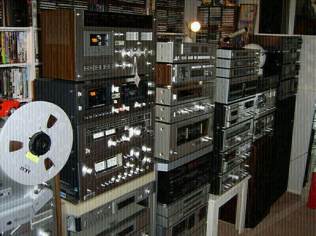 WANTED: heavy old vintage, amps, receivers, reel to reels, tube gear, speakers,