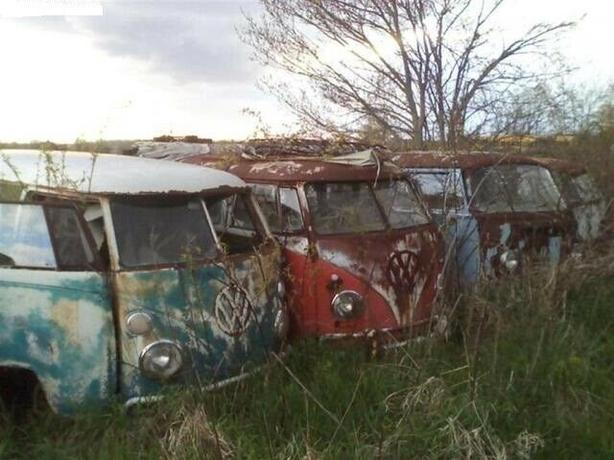 WANTED: WANTED: VW splitwindow bus and 50 or 60's beetle