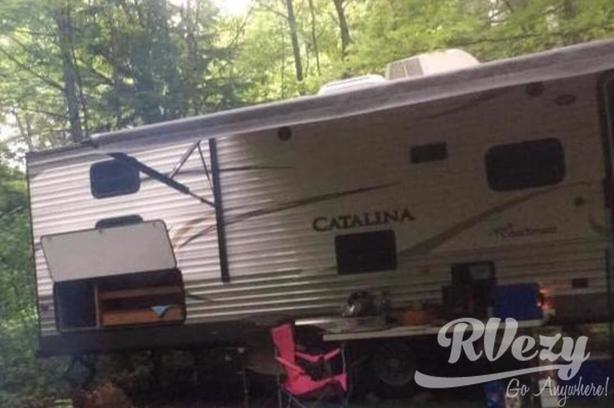 293QRBCK (Rent  RVs, Motorhomes, Trailers & Camper vans)
