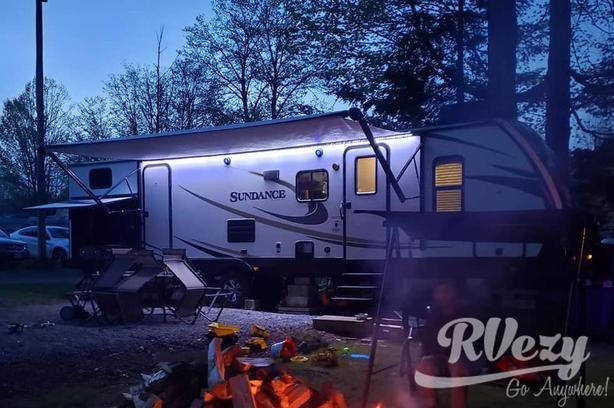 Sundance 312 BH (Rent  RVs, Motorhomes, Trailers & Camper vans)