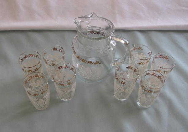Vintage Hazel Atlas Juice Pitcher Set 8 Glasses Lace-Look with Gold Trim