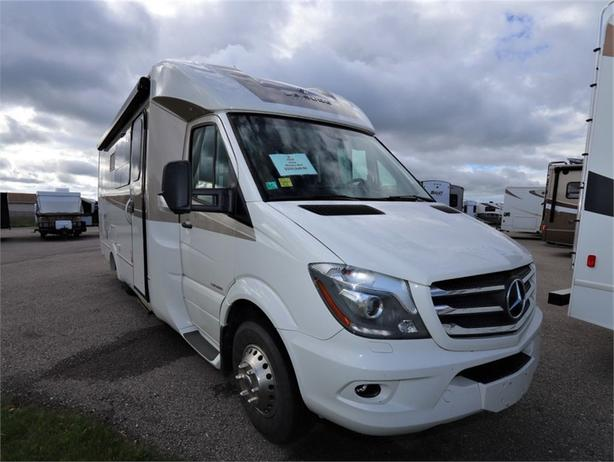 2019 Leisure Travel Vans Unity Murphy Bed