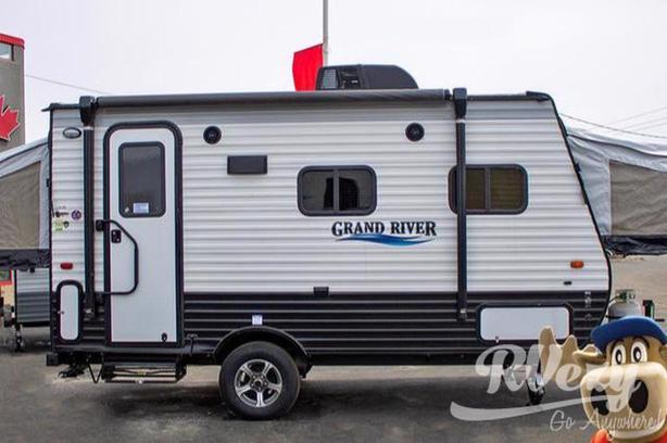 16RB (Rent  RVs, Motorhomes, Trailers & Camper vans)