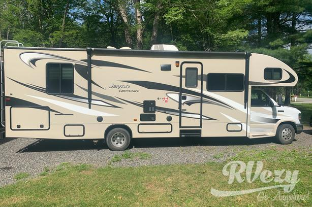 31 D Grey hawk (Rent  RVs, Motorhomes, Trailers & Camper vans)