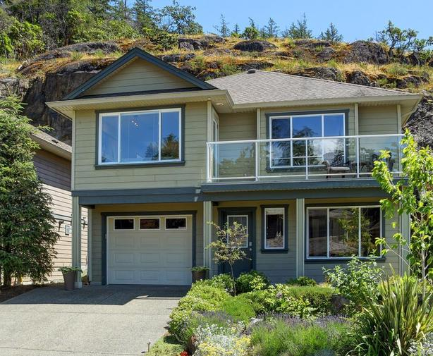 MUST SELL NOW Luxury Homes in Victoria and Westshore Under $700K