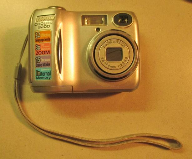 Nikon CoolPix 3200 Digital camera. Price reduced.