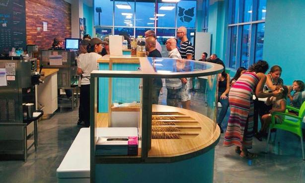 Ice cream parlour franchise La Diperie for sale Laval