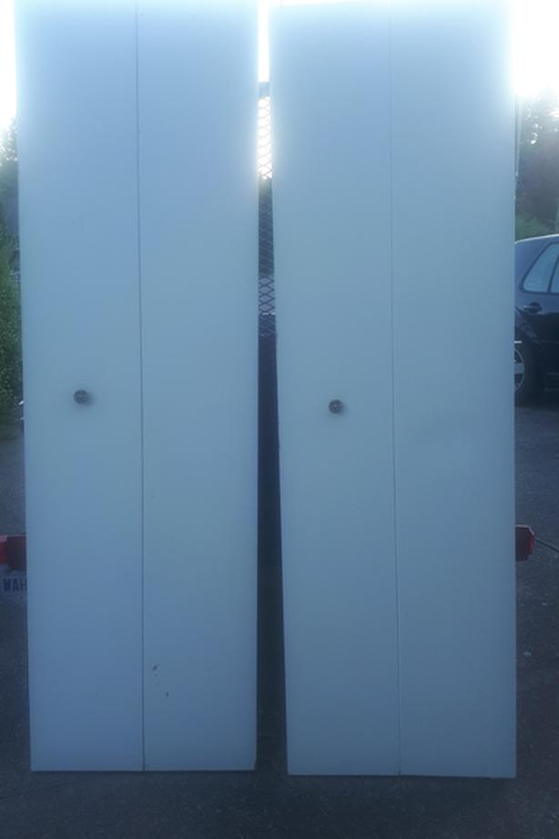 ***FREE*** Bi-fold Closet doors