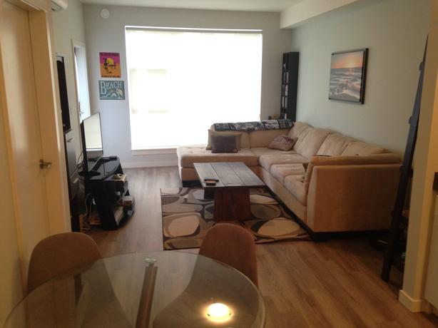 room available in 2 bedroom 2 bathroom apartment