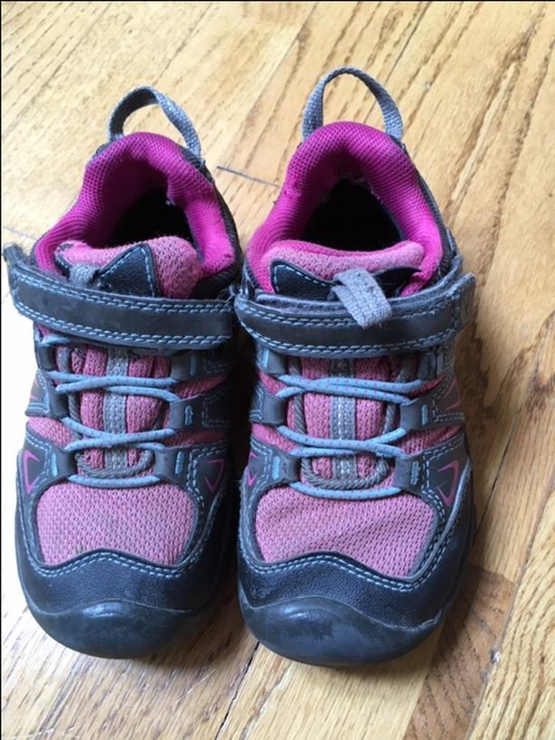 Keen waterproof child hiking shoes/runners size 10