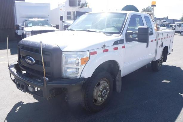 2011 Ford F-350 SD SuperCab Service Truck 4WD