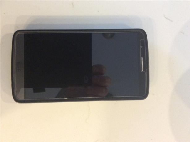 LG 3 cell phone (will warranty for 14 days money back)