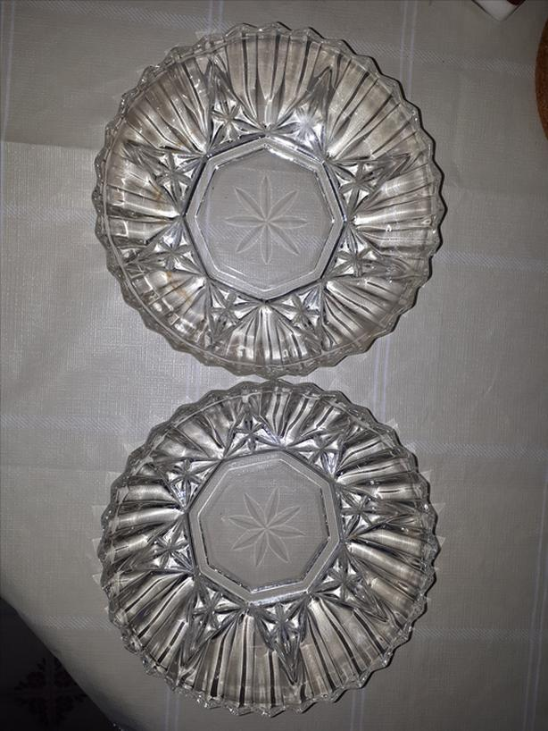 VINTAGE GLASS ROUND SERVING BOWLS CLEAR GLASS PRESSED DESIGN HEAVY