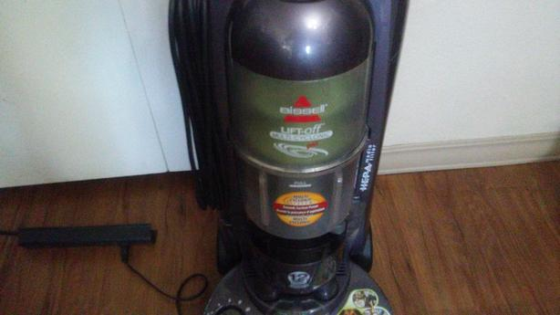 3 vacuums Hoover,Bissell,Eureka