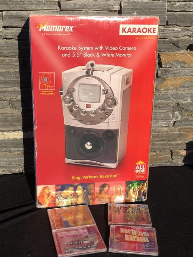 "EUC Memorex Karaoke System w/Video Camera & 5.5"" Black & White Monitor"