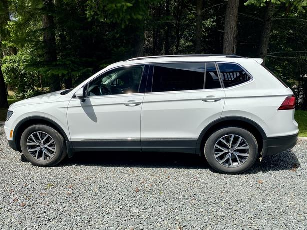 2018 Volkswagen Tiguan ( Lease take over or Buy out)