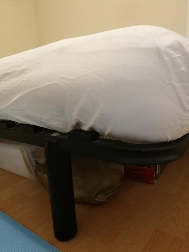 FREE: Double size bed with mattress