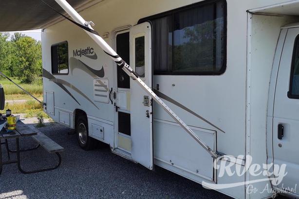 28A (Rent  RVs, Motorhomes, Trailers & Camper vans)